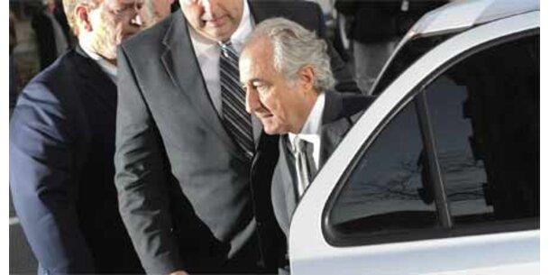Madoff bekennt sich schuldig