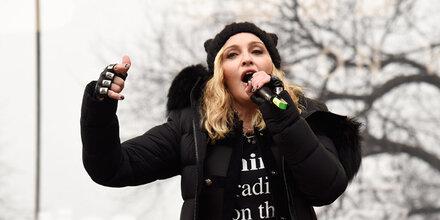 """Groß-Demo gegen Trump: Madonna ruft """"Revolution"""" aus"""