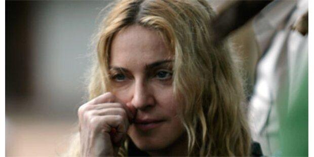 Madonna aus Malawi abgeflogen