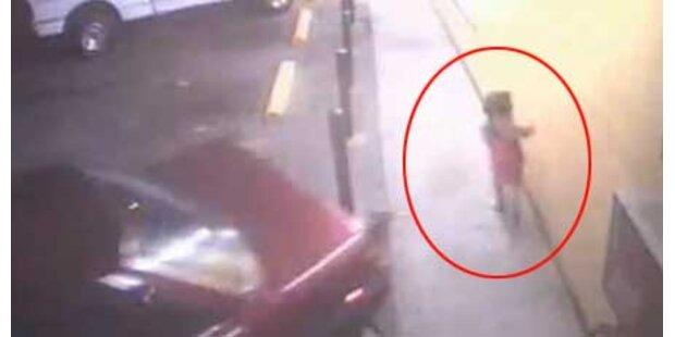 6-Jährige von Auto umgefahren - überlebt