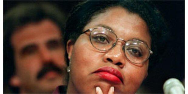Hillary Clinton baggert Obamas schwarze Wähler an