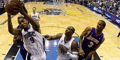 Orlando bleibt an Lakers dran