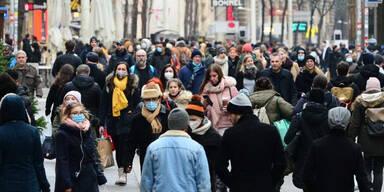 Shopping-Wahnsinn am letzten Einkaufssamstag