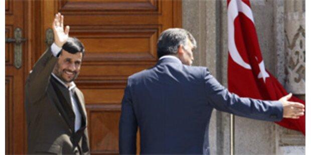 Iran-Präsident Ahmadinejad zu Besuch in Türkei