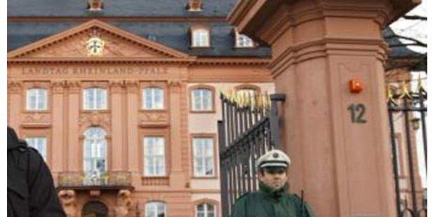 Meute verwüstete Mainzer Landtagsgebäude