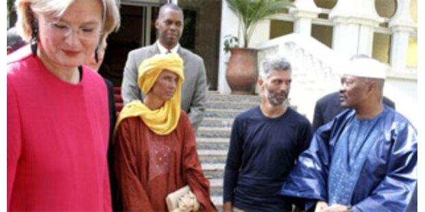 Heimflug der Sahara-Geiseln um 90.000 Euro