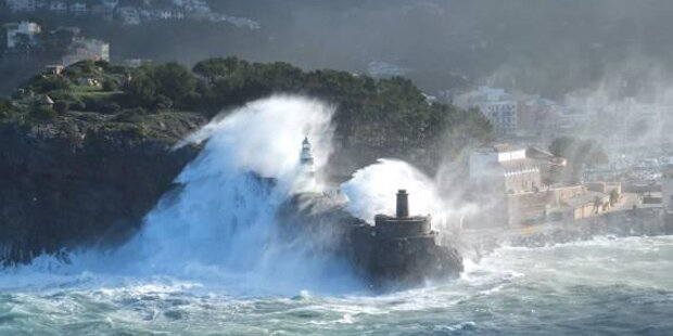 Acht Meter hohe Wellen vor Mallorca