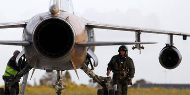 Rebellen schießen Kampfjet ab
