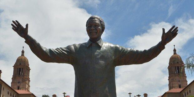 Neun Meter hohe Statue Mandelas enthüllt