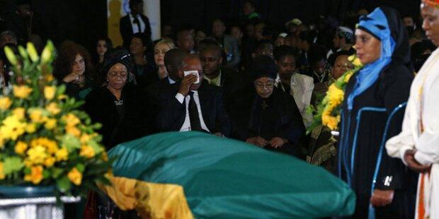 4.500 Gäste bei Mandela-Abschied
