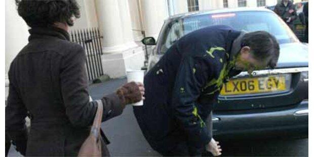 Soßen-Attacke auf britischen Minister
