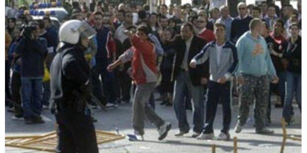 Menschenmenge versuchte Gerichtsgebäude zu stürmen