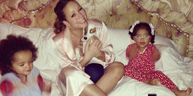 Carey: Pyjama-Party mit ihren Zwillingen