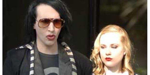 Knutschen mit Manson im Blutregen
