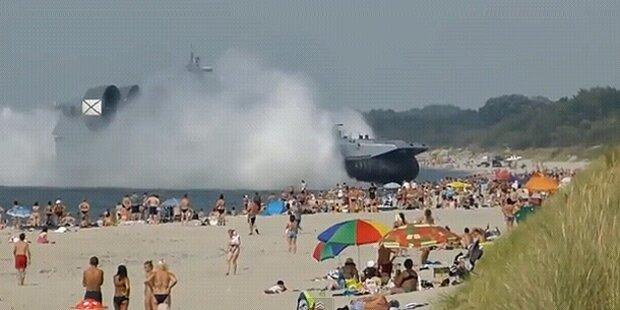 Riesiges Marine-Schiff landet auf Badestrand
