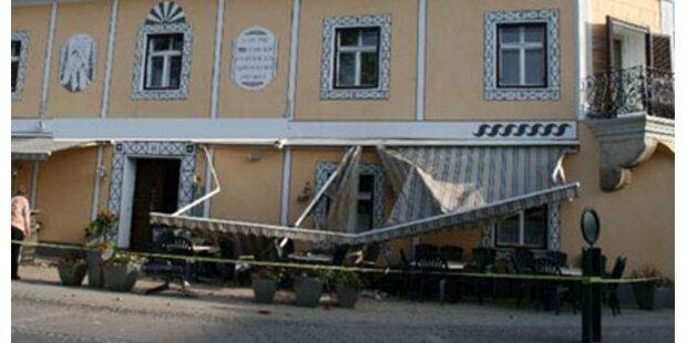 Mauer stürzte auf Gastgarten-Besucher