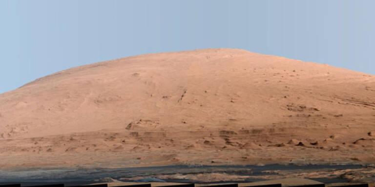 """""""Curiosity"""" liefert Foto von Mars-Berg"""