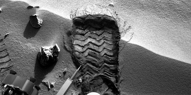 Curiosity filmt Fußabdruck auf Mars