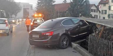 19-jähriger Schweizer schrottet Maserati