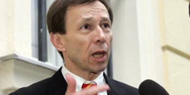 Anwalt Rudolf Mayer