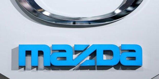 Amokfahrt vor der Mazda-Fabrik