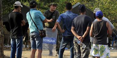 Mazedonien: Tränengas gegen Flüchtlinge