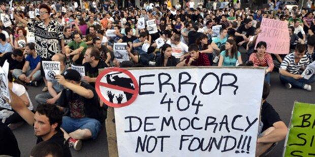Protest: Tausende gegen Polizeigewalt