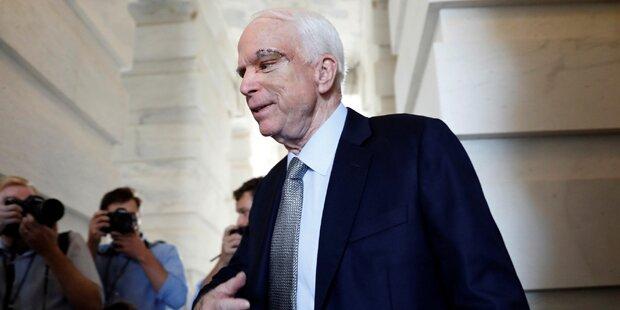 Berührender Applaus für McCain