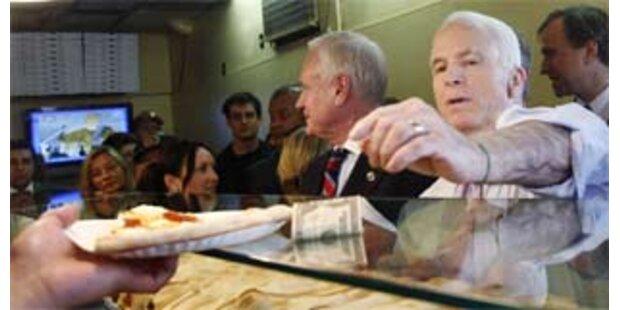 McCain liegt vor Clinton und Obama