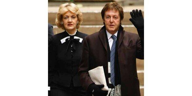 Mills schüttete Wasser über McCartneys Anwältin