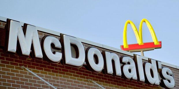 Wüste Frauen-Schlägerei in Wiener McDonald's