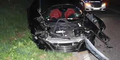 54-Jährige schrottet 650-PS-Sportwagen