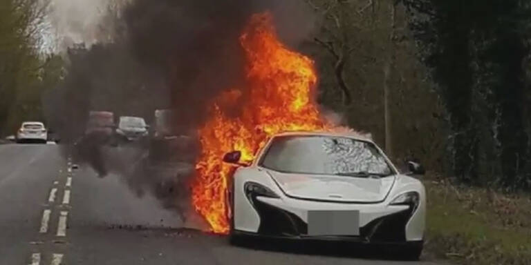 Sündteurer McLaren geht in Flammen auf