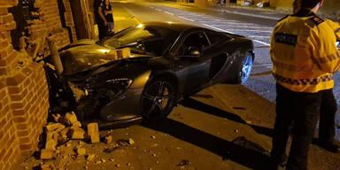 Polizei verspottet McLaren-Fahrer nach Crash