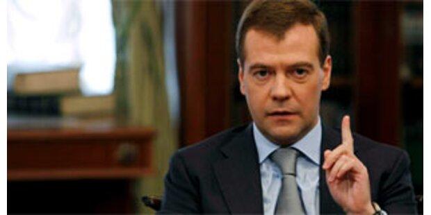 Medwedew droht mit militärischer Reaktion auf US-Raketenabwehr