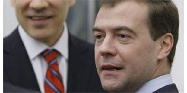 Medwedew legt sein Gehalt offen