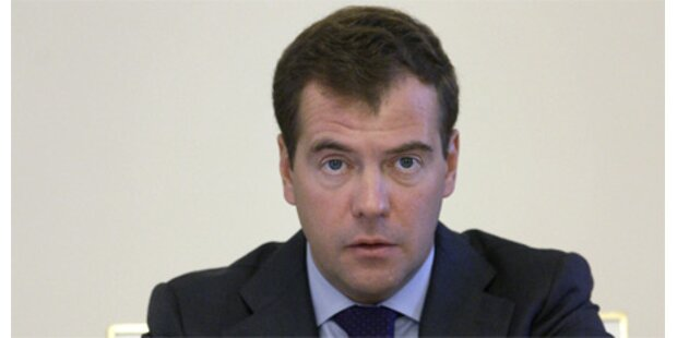 Medwedew schaltet sich ein