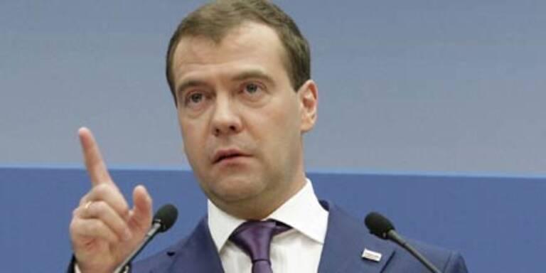 Medwedew warnt vor Bürgerkrieg