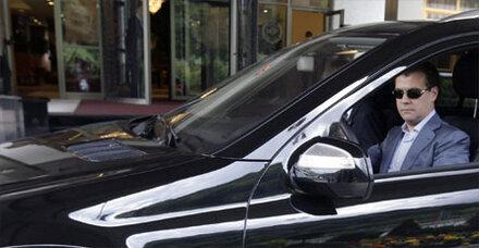 Kritik an Medwedew nach Fahren ohne Gurt