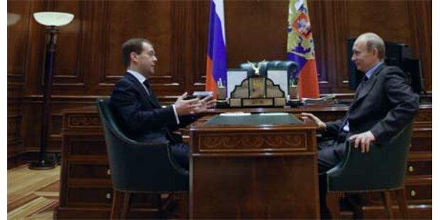 Medwedew rückt von Putin ab