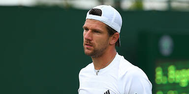 Melzer in Wimbledon weiter, Federer out