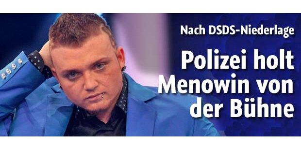 Polizei holt Menowin von der Bühne
