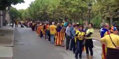 Spanien: Menschenkette für Unabhängigkeit