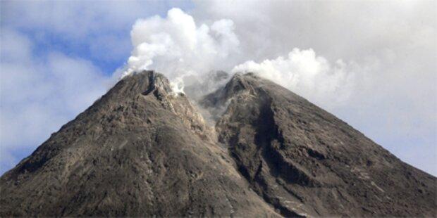 Vulkan Merapi spuckt wieder Asche