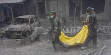 Merapi verbrennt ganze Dörfer - 54 Tote