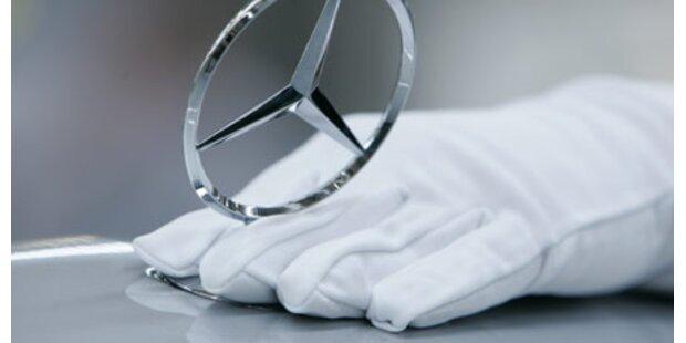 Zwei Kinder stahlen 25 Mercedes-Sterne