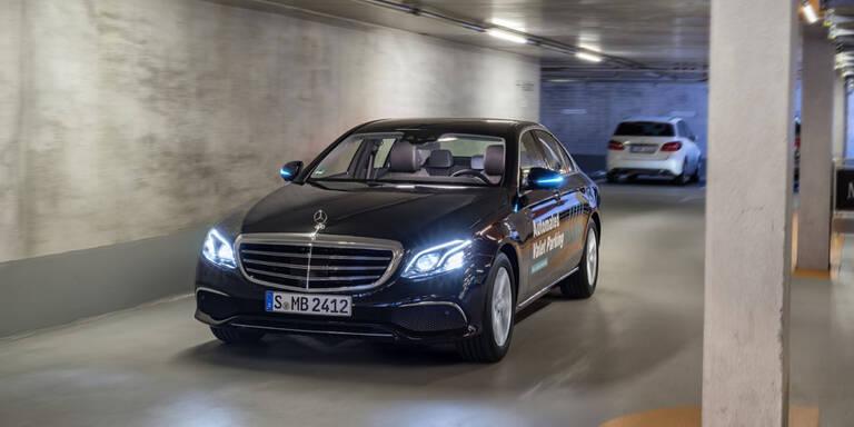 Mercedes-Pkw dürfen nun völlig automatisiert parken
