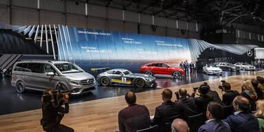 Neuheiten-Feuerwerk bei Mercedes