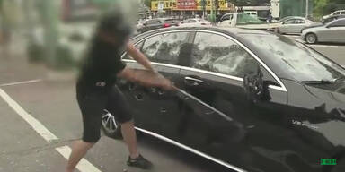 Eigenen 200.000 € Mercedes zertrümmert