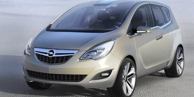 Der Meriva steht auch auf der IAA - inklusive hintenangeschlagener Türen wie bei Rolls Royce. So wird der Einstieg oder das Befestigen eines Kindersitzes erleichtert